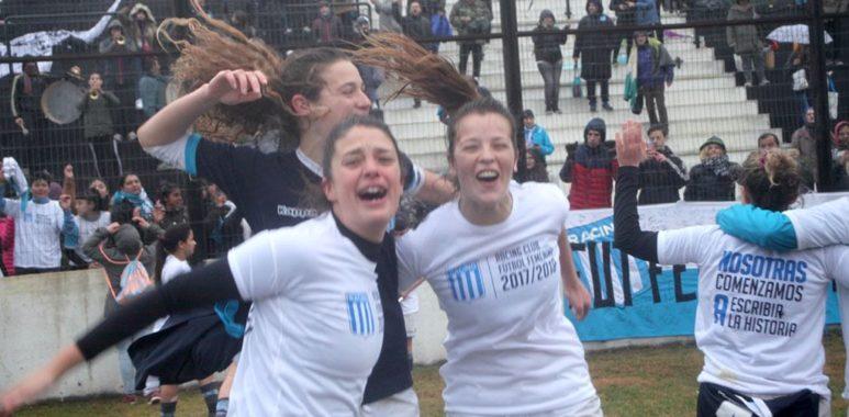 Chicas de Primera - El fútbol femenino ascendió a Primera - La Comu de Racing