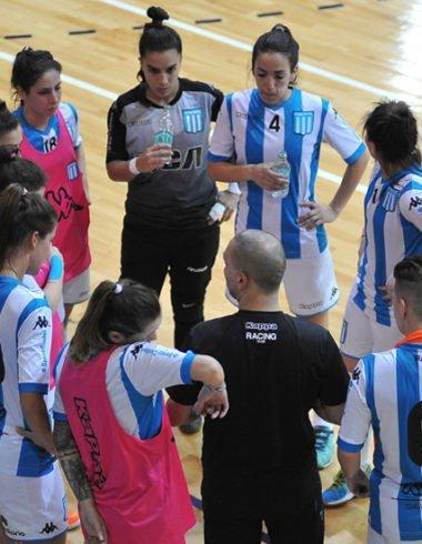 Debut y victoria - Triunfo del futsal femenino - La Comu de Racing Club