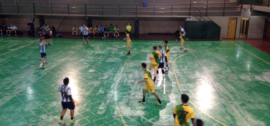 ¡Campeones! - El Handball masculino gritó campeón - La Comu de Racing Club