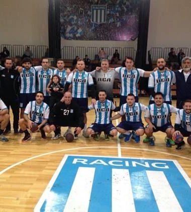 A un paso - La Actualidad del Handball - La Comu de Racing Club