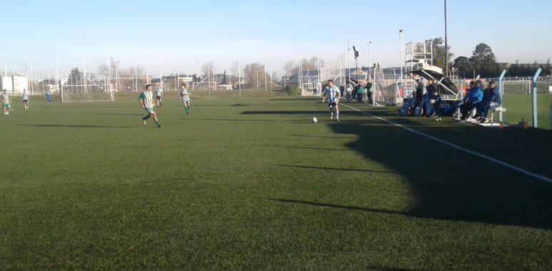 Dura derrota del fútbol senior - La Comu de Racing Club - El senior perdió