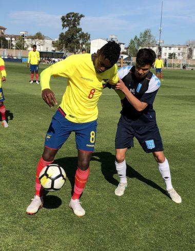 Reserva: Amistoso internacional sin goles - La Comu de Racing Club