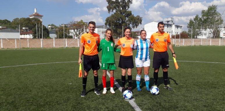 Firmes en la punta - La Comu de Racing Club - El fútbol femenino invicto