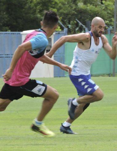 Fútbol formal ante la reserva - La Comu de Racing Club