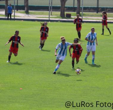 Fútbol femenino - Un empate que vale - La Comu de Racing Club