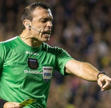Jorge Baliño el árbitro ante Colón - La Comu de Racing Club