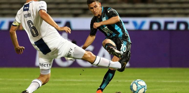 Matías Rojas, el volante paraguayo de la Academia, señaló en conferencia de prensa luego del entrenamiento que les duele la salida del entrenador.