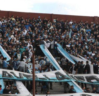 Se confirmo que Racing podrá llevar hinchas al estadio de Lanús. La Academia contará con 10.000 entradas populares y 1.000 plateas para dicho encuentro. Así será la venta de entradas.