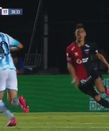 Matías Rojas, uno de los puntos altos del partido