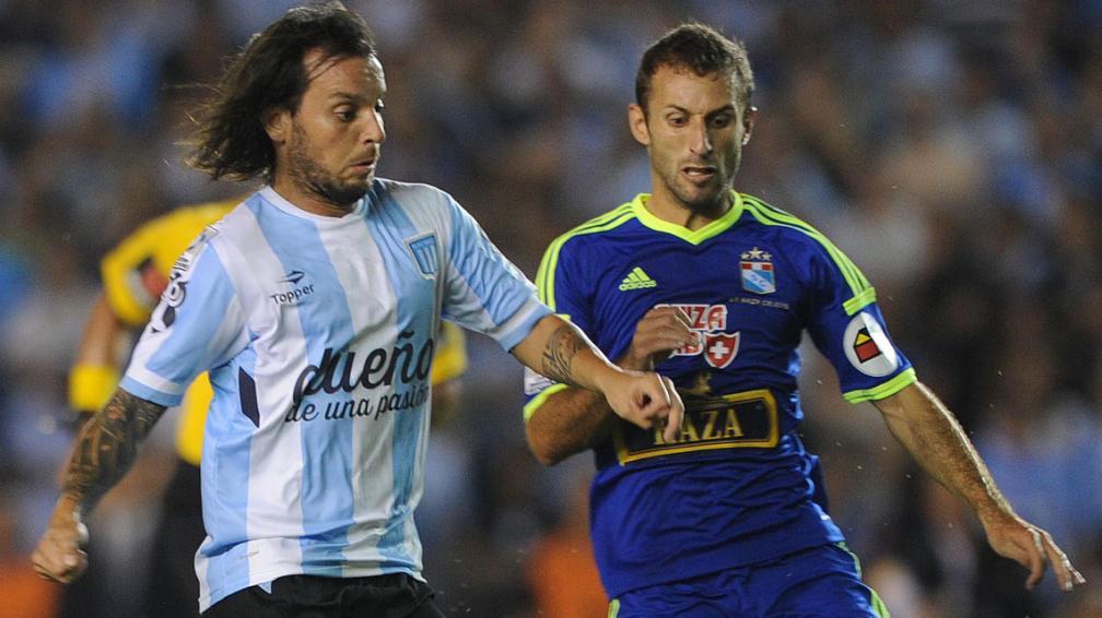 Racing vs equipos peruanos en la Copa