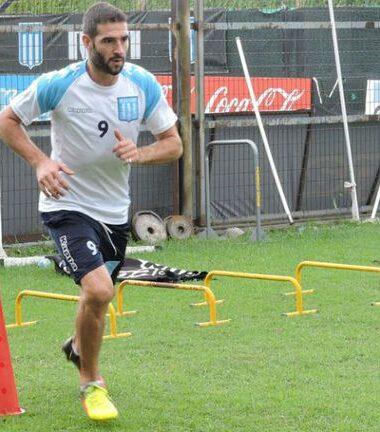Úbeda probó el once con Lisandro como titular
