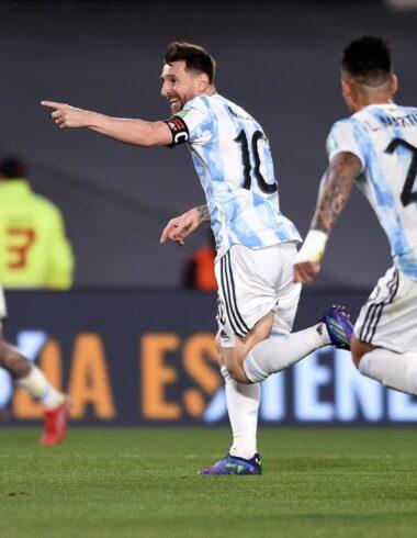 Ex Racing: De Paul y Lautaro goleadores en el triunfo de Argentina